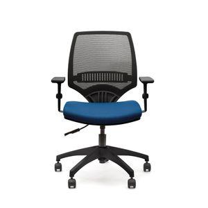 213B1_057PRPRNH_op_YOU_cadeira_giratoria_placa_med_braco_pp_tec_azul_rei_tela_preta_estr_preta_base_nylon_01