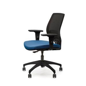 213B1_057PRPRNH_op_YOU_cadeira_giratoria_placa_med_braco_pp_tec_azul_rei_tela_preta_estr_preta_base_nylon_02